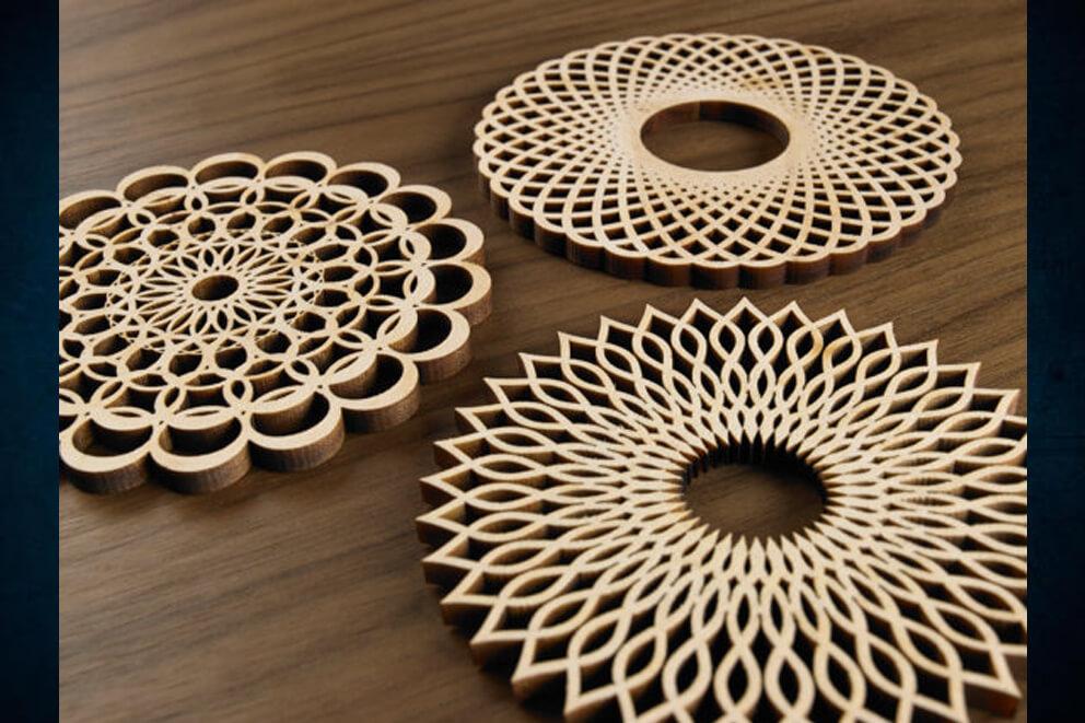 Corte láser en madera de celosías circulares