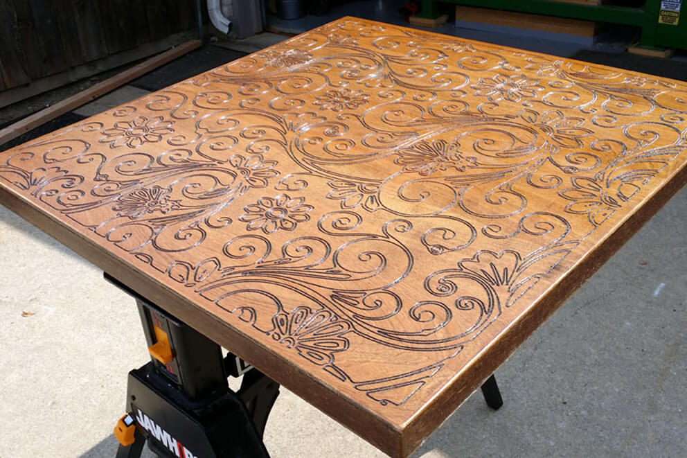 Fresado de madera, celosía para mesa
